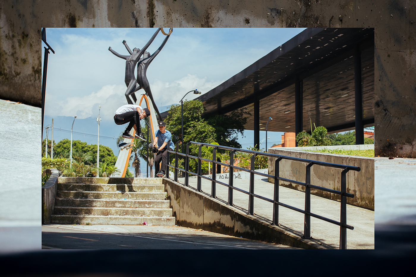 Camilo Henao - Switch Heelflip